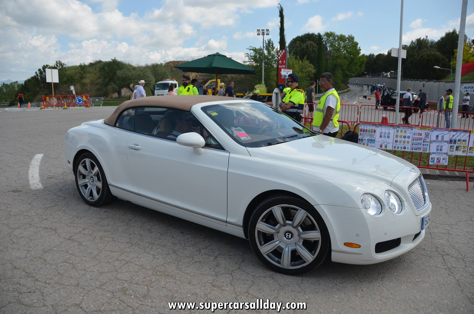 bentley continental gtc supercars all day exotic cars. Black Bedroom Furniture Sets. Home Design Ideas