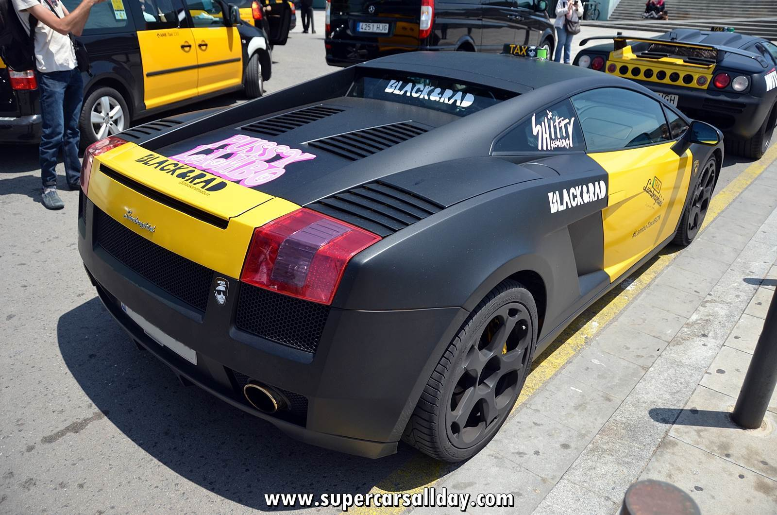 Lambotaxibarcelona supercars all day exotic cars photo car collection - Cab in barcelona ...