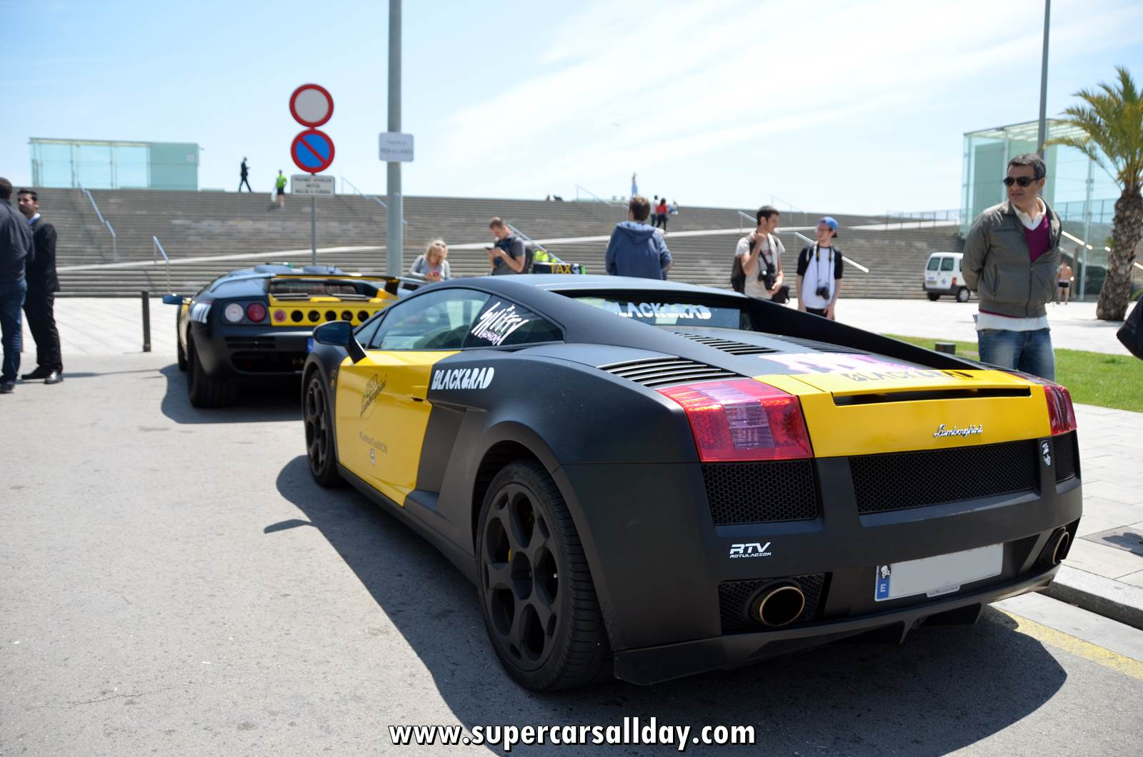 #LamboTaxiBarcelona - Supercars All Day [Exotic Cars ...