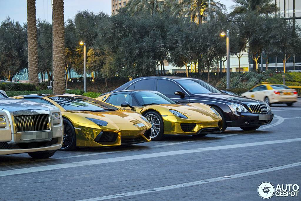 gold porsche 918 spider and aventador supercars all day. Black Bedroom Furniture Sets. Home Design Ideas